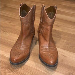 Franco Sarto cowgirl beige leather size 7.5